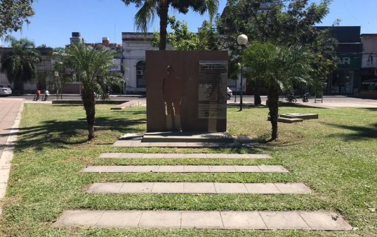 Acto homenaje en la Plaza de los Caídos por la dictadura