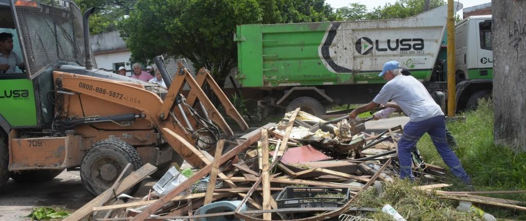 Notable respuesta de vecinos del barrio Belgrano en un nuevo operativo de descacharrado