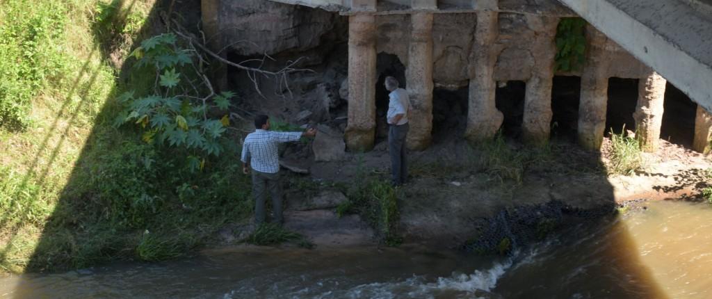 La Municipalidad realiza tareas de inspección en el puente del arroyo Pirayuí