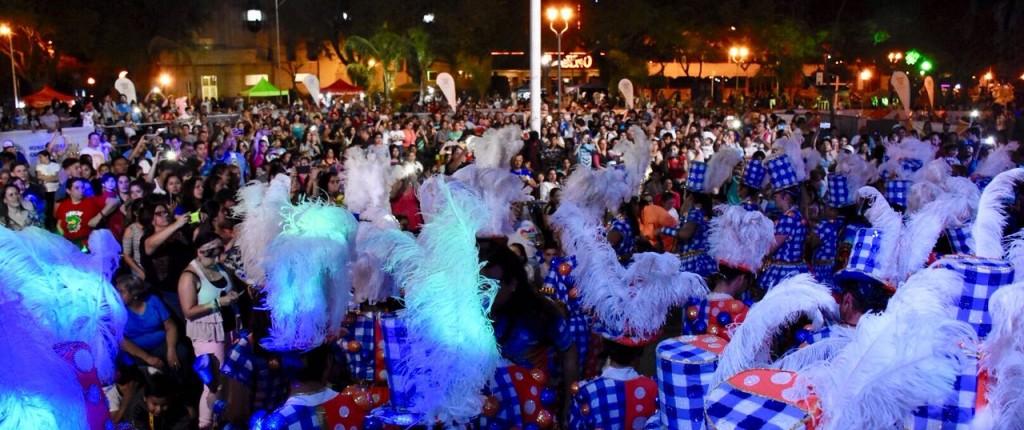Antorcha olímpica: una multitud acompañó los shows deportivos y musicales en el Cambá Cuá
